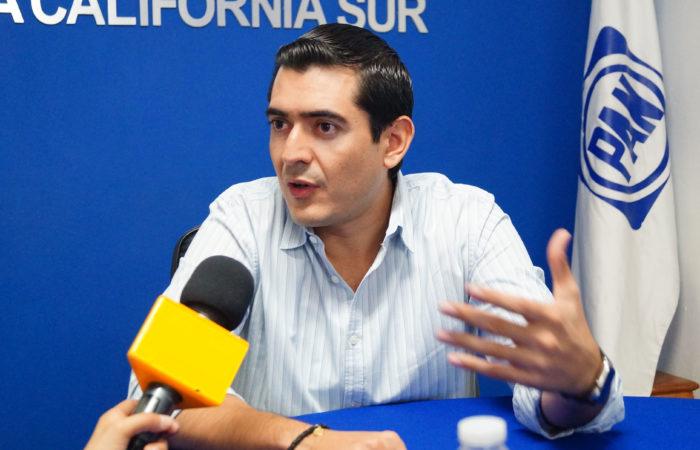 """""""Lamentable el desaseo del ayuntamiento priista de Ponce y Monroy"""": Rigoberto Mares."""