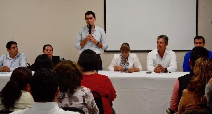 """Con conferencia """"La facultad del poder"""" refuerza PAN BCS capacitación a militantes"""