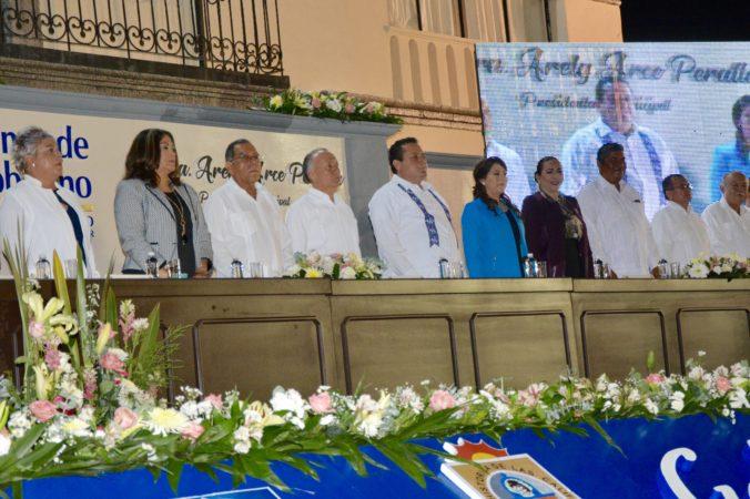 Arely Arce sigue cumpliendo su palabra en beneficio de los habitantes de Loreto: Rigoberto Mares