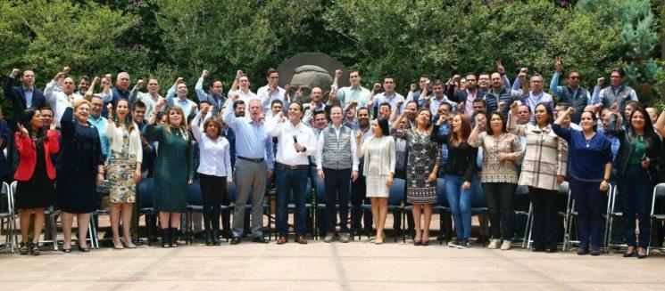 Arropan líderes de estructuras estatales del PAN a Ricardo Anaya