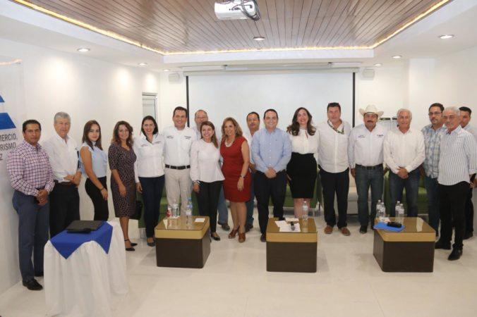 CANDIDATOS FEDERALES DE LA COALICIÓN POR MÉXICO AL FRENTE, PRESENTAN PROPUESTAS EN CANACO LA PAZ.