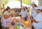 Visita Lupita Saldaña a las familias de El Triunfo, San Bartolo y Los Barriles