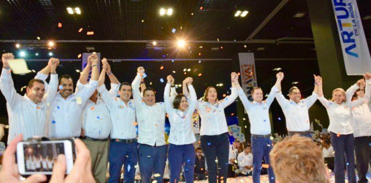 Ante mas de diez mil personas cierra campaña Arturo de la Rosa con Ricardo Anaya en Los Cabos