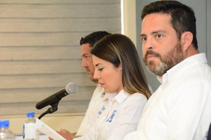 Que dejen de hacer campaña los servidores públicos de Morena y se pongan a trabajar: Carlos Rochín
