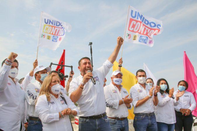 Se consolida Ricardo Barroso como el próximo presidente de La Paz al ganar el debate